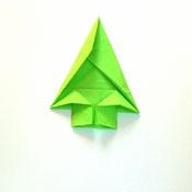 anleitung zum falten von servietten tannenbaum zu weihnachten. Black Bedroom Furniture Sets. Home Design Ideas