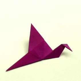 origami tiere falten einfacher kranich. Black Bedroom Furniture Sets. Home Design Ideas