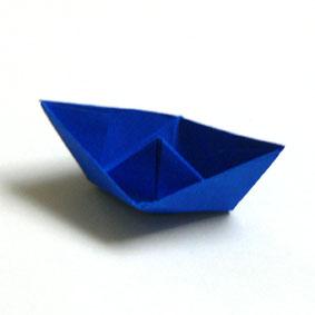 Boot bastelvorlage  Origami Gegenstände falten - Hut für Kinder
